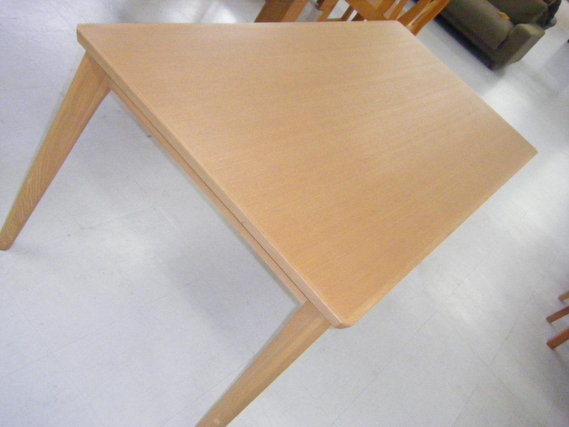 ダイニングテーブル画像2