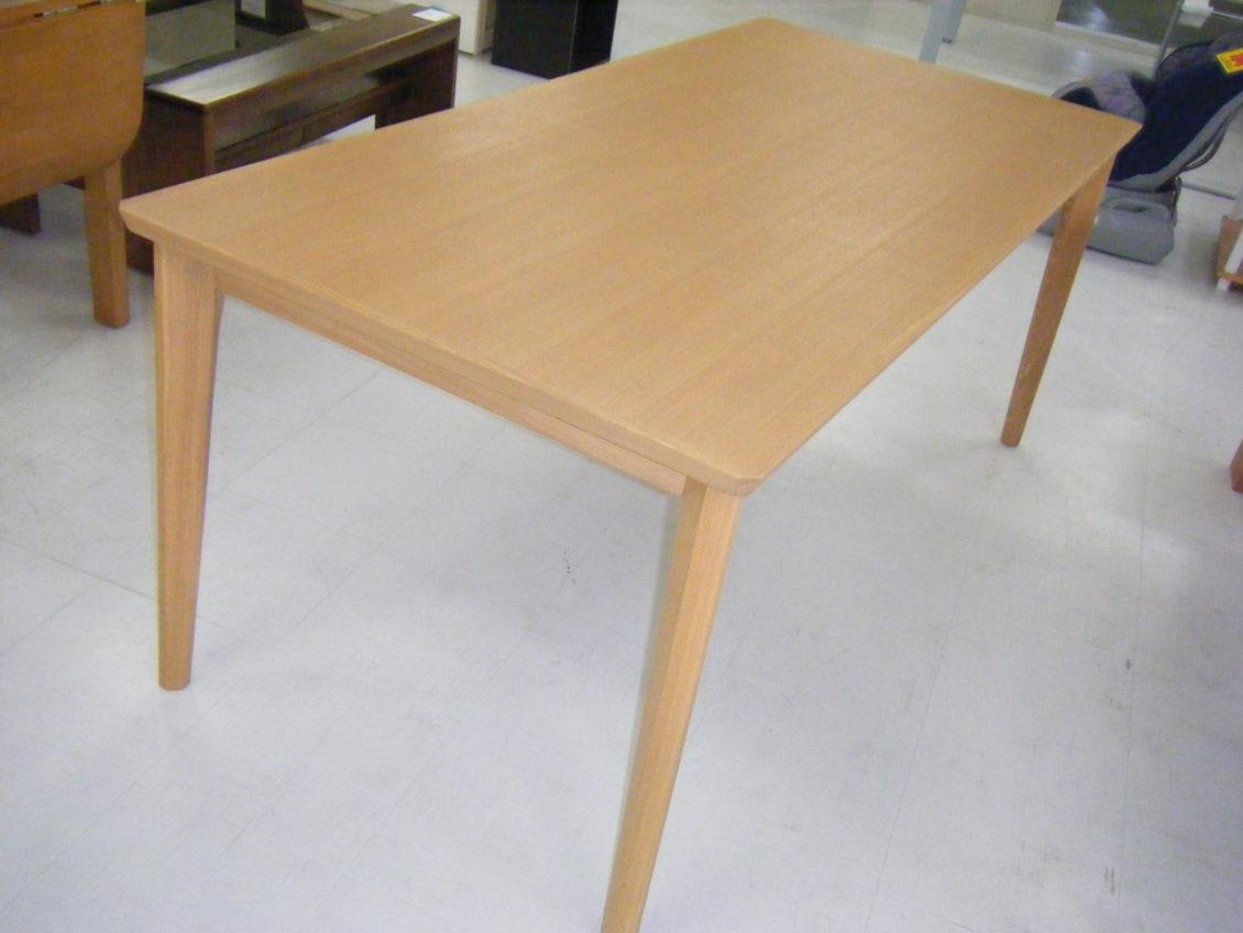 ダイニングテーブル画像1
